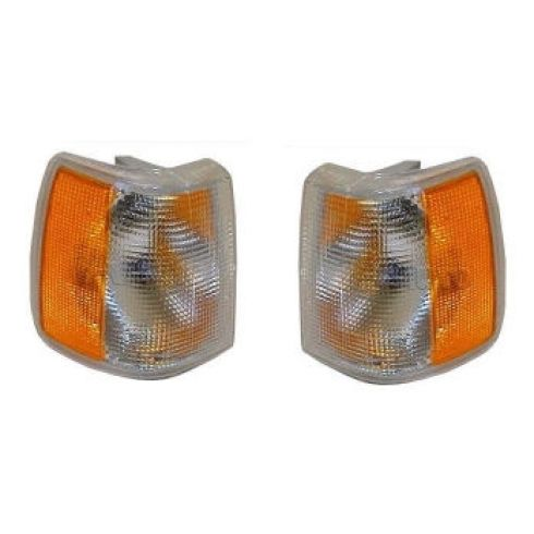 92-95 Volvo 740 940 960 Parking Corner Light Pair
