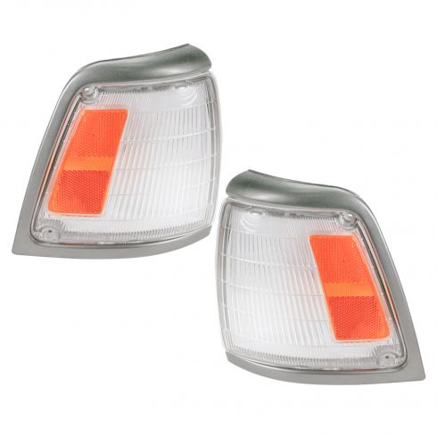 1992-95 Toyota Pickup Truck 4x2  Corner  Side Marker Light - Pair