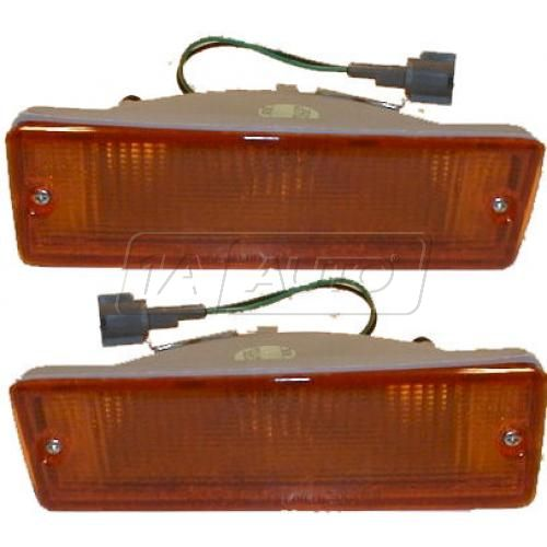 87 Nissan Pathfinder Bumper Mtd Park Light Pair