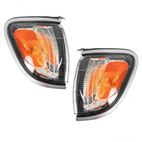 2001-04 Toyota Tacoma Turn Signal Light Pair with Silver Trim