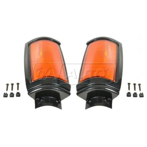 1987-93 Dodge D-50; 87-96 Mitsu Mighty Max PU Truck Corner Parking Light w/Black Trim PAIR