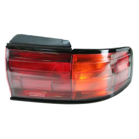 92-94 Camry Taillight RH