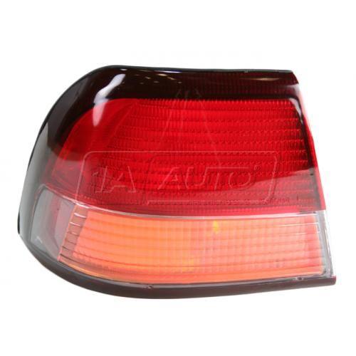 97-99 Nissan Maxima 1/4 Mtd Taillight LH