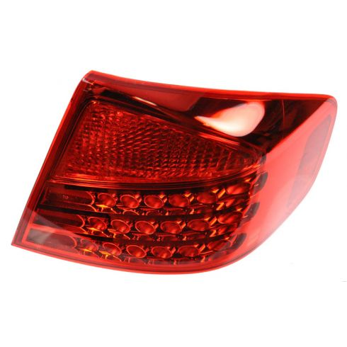 2003-04 Infiniti G35 Outer Taillight RH