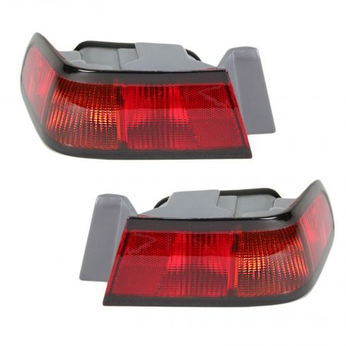 1997-99 Toyota Camry 1/4 Mounted Tail Lamp Pair