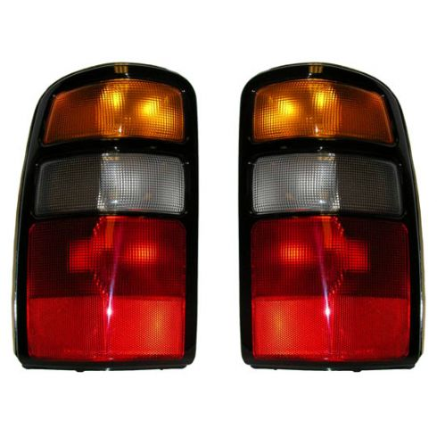 2004-06 Chevy Suburban Tahoe GMC Yukon Yulkon XL Taillight w/Harness PAIR