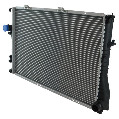 1999-03 BMW 5 Series Radiator w/ V8 4.4 242 All