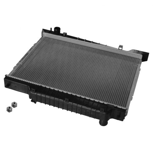 03-04 Ford Expedition, Lincoln Navigator Radiator