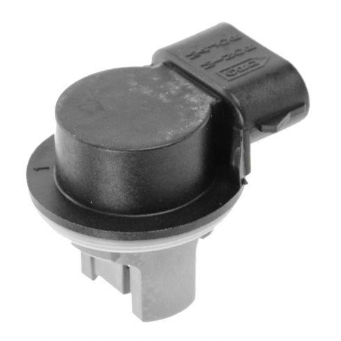 97-05 Ford; 03 Navigator; 97-99 Tracer Frt Prk Light, Taillight, Reverse Lmp 3 Terminal Socket L = R