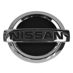05-06 Nissan Altima Grille Mounted Chrome