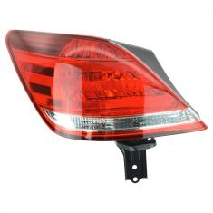 2005-07 Toyota Avalon Tail Light Driver Side
