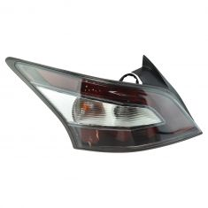 12-14 Nissan Maxima Outer 1/4 Panel Mounted Taillight LR